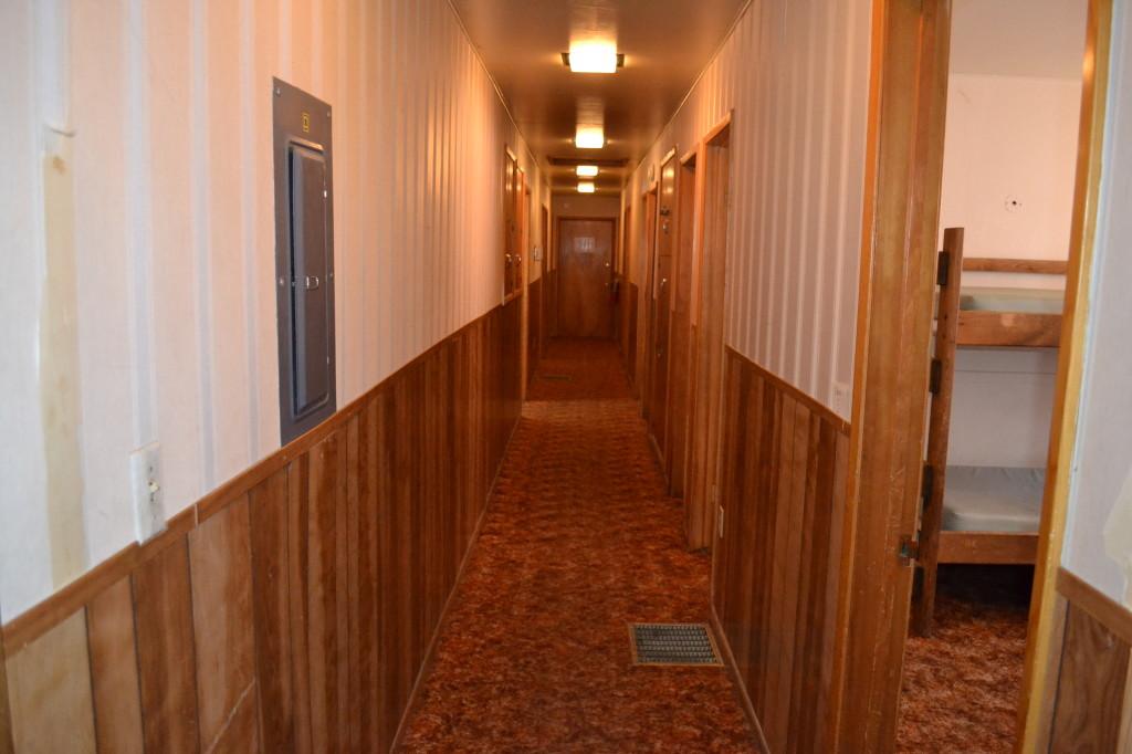 Chalet.upper.hall.bedrooms